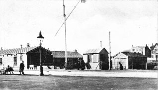 The Coastguard station at Hove in 1904. The RNR Battery is the building on the far left, the white ensign is flying from the mast head. Click on photo to open large image in new window. | From the private collection of Tony Drury