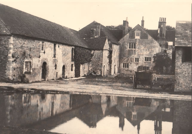 Hangleton Manor House, Hangleton Farm, 21st September 1913 | Image reproduced with kind permission from Brighton and Hove in Pictures by Brighton and Hove City Council