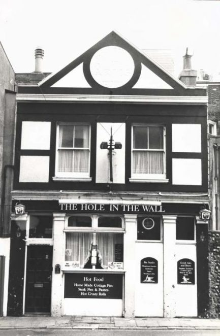 Hole in the Wall | Image reproduced with permission from Brighton History Centre