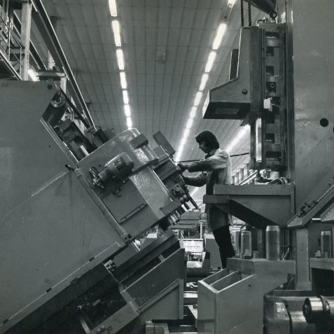 Setting Position of Multi Spindle Cluster Box, Vert Feed Slide on the Right | From the private collection of Terry Buck