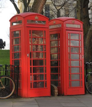 K6 style telephone kiosk | Photo by Tony Mould: click on the photograph to open a large version in a new window.