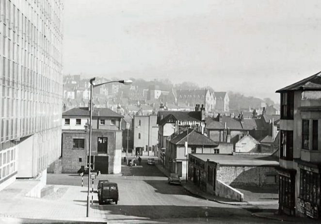 Looking down what was left of York Hill into London Road in 1962 | © Brian Page