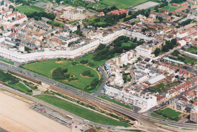 Aerial photograph of Lewes Crescent, 1991 | Picture contributed on 11-05-04 by Ian McKenzie, from private collection
