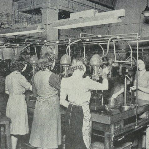 Women munitions workers at Messrs. H. J. Galliers Brighton | Photo from the 1946 book,