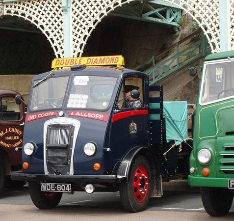 Lorries | Tony Mould