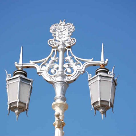 Contemporary ornate street lamps | Photo by Tony Mould