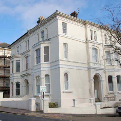 Large semi-detached villas above Buckingham Road | Photo by Tony Mould