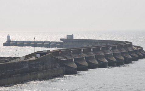 Marina western breakwater