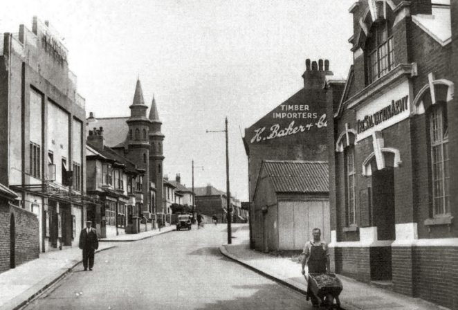 North Street: Pavilion Cinema on the left | From the private collection of Jennifer Drury