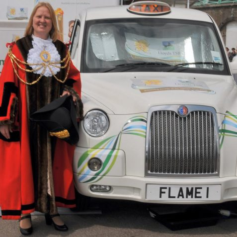 The Mayor with the London taxi nomination web cam | Photo by Tony Mould