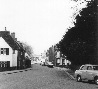 Old London Road looking north c.1960. | From the private collection of Martin Nimmo