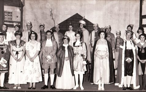 Pantomime people