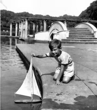 Peter Brookshaw with his toy boat at the lake | From the private collection of Peter Brookshaw