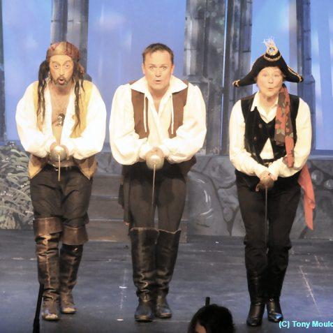 Pirates of Penzance | Photo by Tony Mould