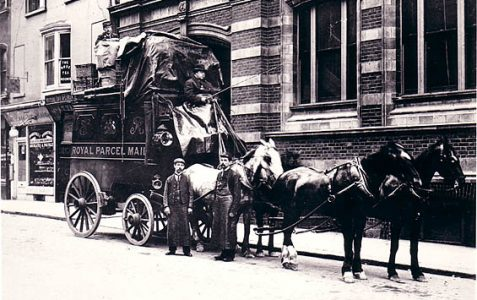 The last horse-drawn delivery in 1905