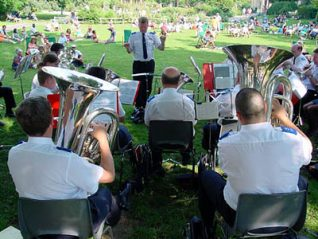 Brass band in the Pavilion Gardens, Brighton | Image reproduced by permission of www.imagesbrighton.com