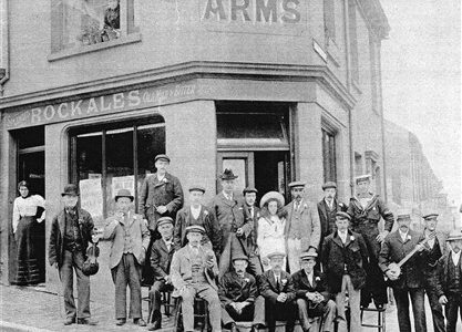 Obed Arms pub outing, early 1900s
