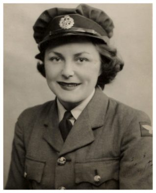 Peggy in her WAAF uniform | From the private collection of Peggy Ross