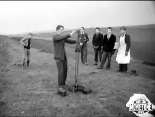 Still from the newsreel:link to movie in text | British Movietone News