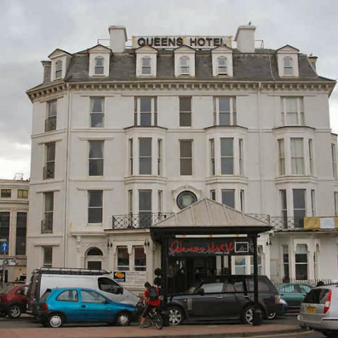 Queen's Hotel   Photo by Tony Mould