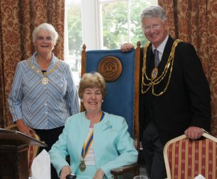 The Mayoress, Mrs Chip Peltzer Dunn, Councillor Pat Drake, The Mayor, Councillor Garry Peltzer Dunn | Photo by Tony Mould