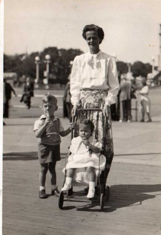 Roy (complete with knock knees!)with his mother and sister in 1947   From the private collection of Roy Davis