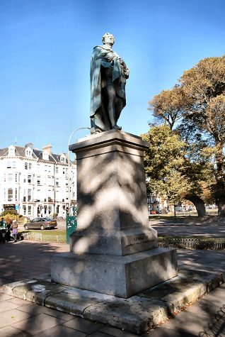 George IV statue   Photo by Tony Mould