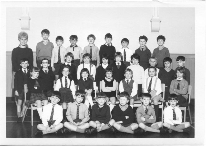 Mrs Batten's class 1968 - click on the photograph to open a large version in a new window | From the private collection of Richard Wenstone