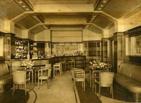 The very smart Saloon Bar c1938 | Tim Sargeant