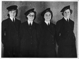 Lois ( far right) with three of her fellow Wren Stewards (O) at HMS Vernon. Click on photo to open large image in new window. | From the private collection of Nick Lade