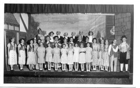 Pantomime folk - revisited