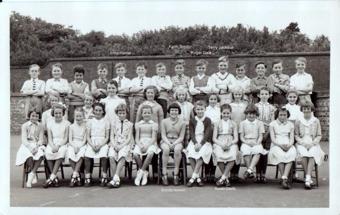 Class photo from mid 1950s | From the private collection of Roger Dale