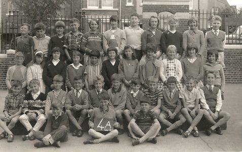 Class photograph 1964/65
