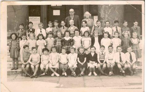 Class photograph 1953/54