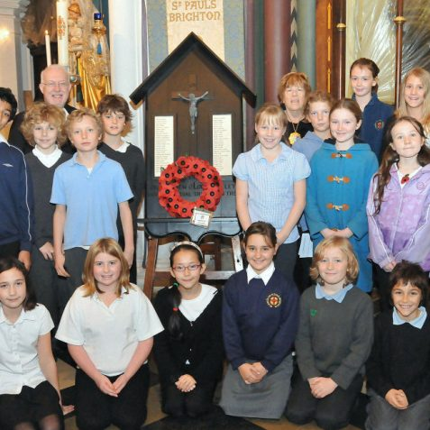 Father Robert Fayers, The Mayor Councillor Ann Norman and children from St Paul's Church of England School | Photo by Tony Mould
