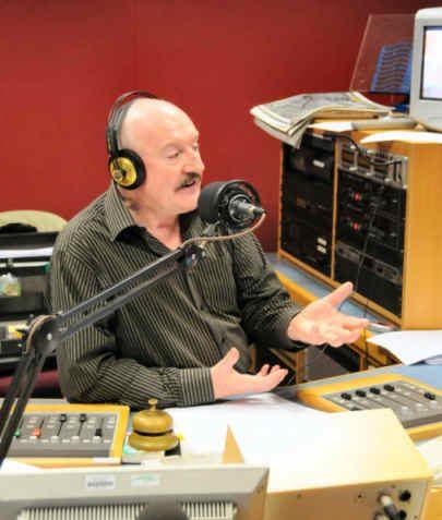 Gordon in full flow - a very persuasive speaker   Photo by Tony Mould