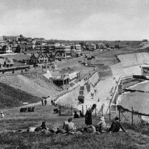 View of Saldean looking east along the coast road c. 1930s. The Ocean Hotel is visible at the top of the shot, the Lido is out of shot left. | From the private collection of Tony Drury