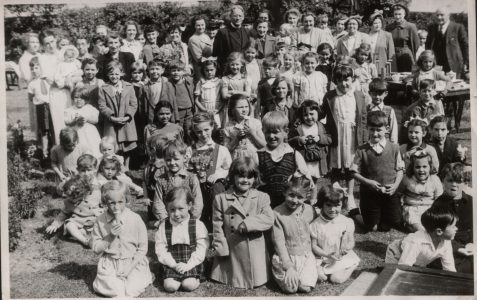 Does anyone recognize a face in this class photo?