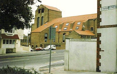 The building and closure of a community church