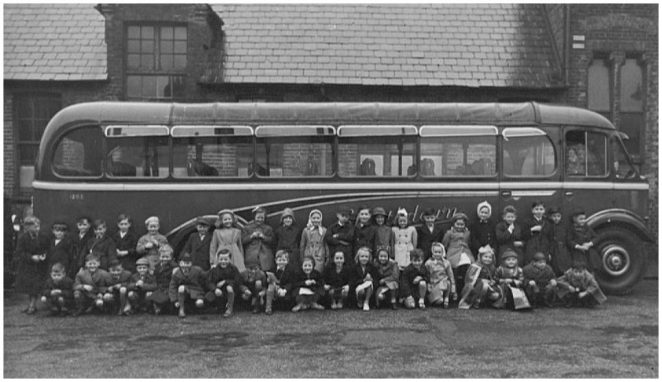 Ready for a trip to Chessington Zoo: click on the photograph to open a large version in a new window. | From the private collection of Tom Paul