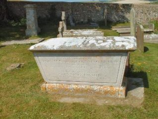 Photograph of the Beard family tomb   Photo by Jennifer Drury