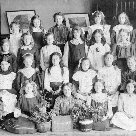 Stanford Road School c1907 - Victoria May Griffiths 2nd row, 3rd from left | Private Collection of Geoffrey Barber
