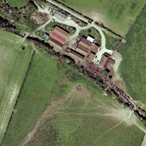 Virtual Dyke Farm / Station, platform top left | www.maps.live.com - Microsoft Virtual Earth