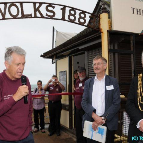 Nicholas Owen talks about Magnus Volks' achievements | Photo by Tony Mould