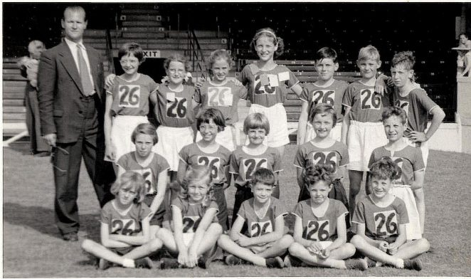 Athletics team 1959: click on the photograph to open a larger image in a new window | From the private collection of Dave Crockatt of