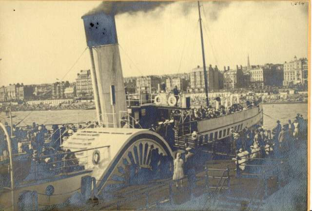 Balmoral at West Pier, 1933 | Image reproduced with kind permission from Brighton and Hove in Pictures by Brighton and Hove City Council