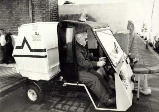 Brighton Council refuse worker in 1985 | Image reproduced with kind permission from Brighton and Hove in Pictures by Brighton and Hove City Council