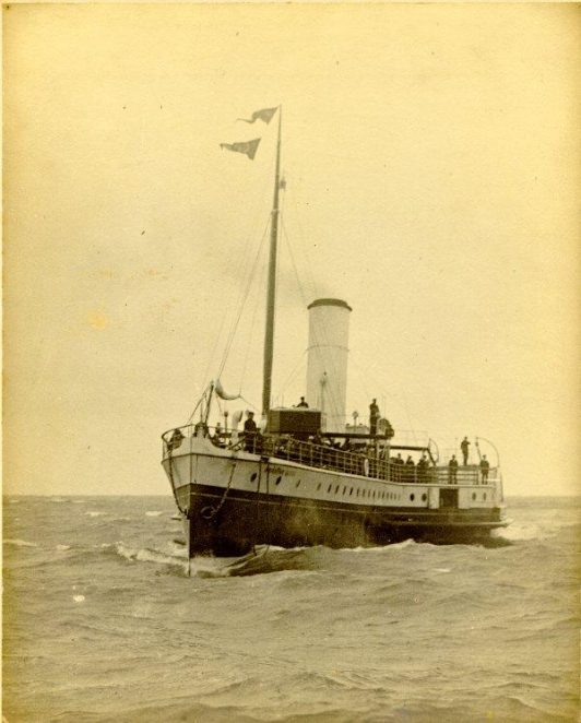 Brighton Queen Paddle Steamer, 1906 | Image reproduced with kind permission from Brighton and Hove in Pictures by Brighton and Hove City Council