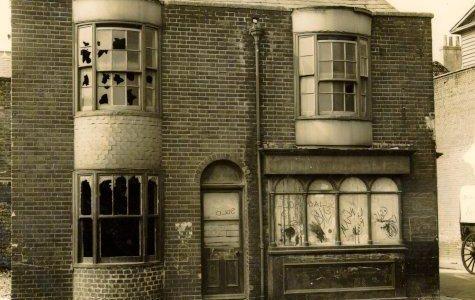 Derelict public house c1933