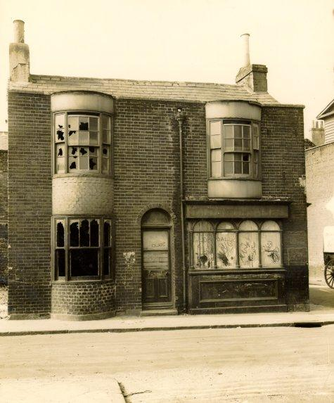 Derelict public house: Circus Street/Sussex Street c1933 | Image reproduced with kind permission from Brighton and Hove in Pictures by Brighton and Hove City Council
